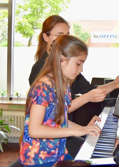 Idil Su en Chantal